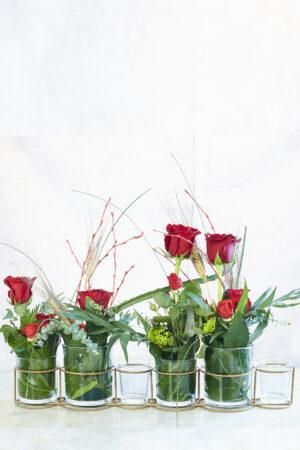 Roses Sant Jordi. A VENTURA Floristes trobaràs les roses més fresques i de qualitat.